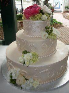 shimmering all white wedding cake