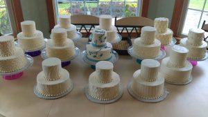 13weddingcakes.jpg