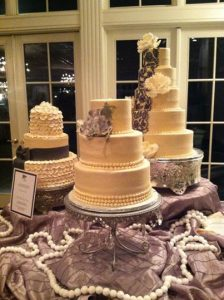 3weddingcakes.jpg