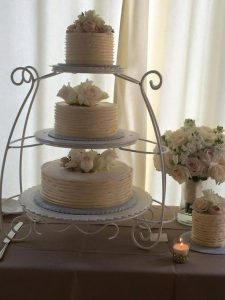 cake tower with three pieces