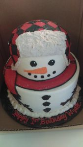 Cake in the shape of a snowman